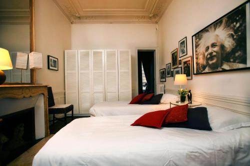 Large 2 Bedrooms Latin Quarter (338) photo 40