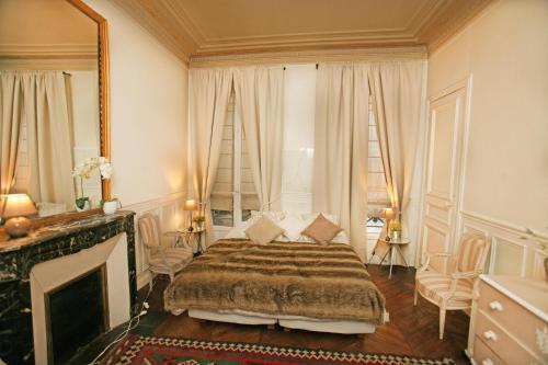 Large 2 Bedrooms Latin Quarter (338) photo 46