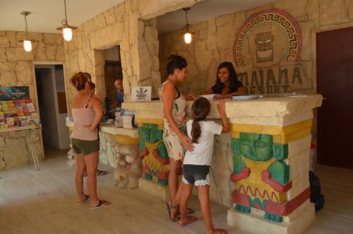Maiana Resort