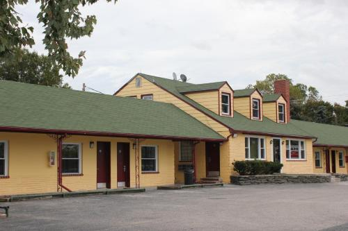 . Driftwood Inn