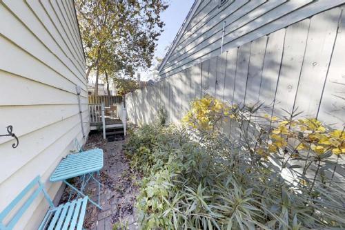 549 E. Harris Street - Savannah, GA 31401