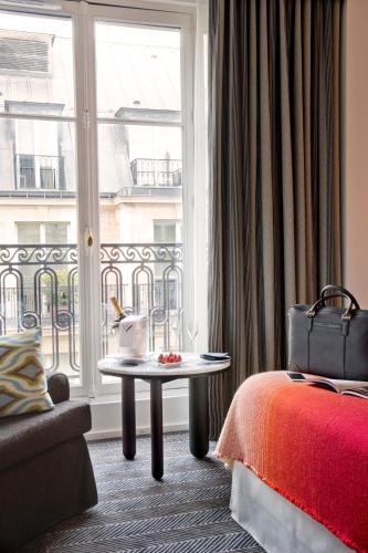 25 Rue Vernet, Paris, 75008, France.