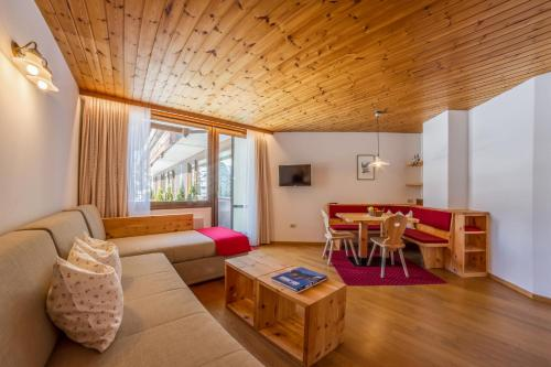 Residence Emmy - Accommodation - San Candido