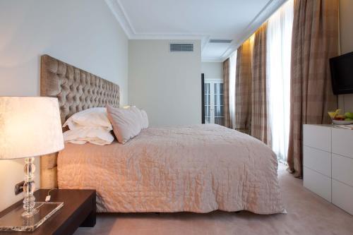 Classic Double or Twin Room Castillo Del Bosque La Zoreda 27