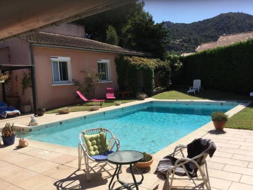 Agréable Maison de Vacances avec Piscine Privée, située à Robion au cœur du Luberon, avec une jolie vue, 8 personnes, LS2-293 PASCO - Location saisonnière - Robion