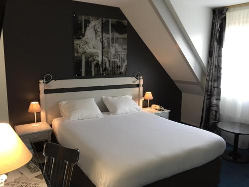 Hotel The Originals City Le Cardinal Rueil Centre - Hôtel - Rueil-Malmaison
