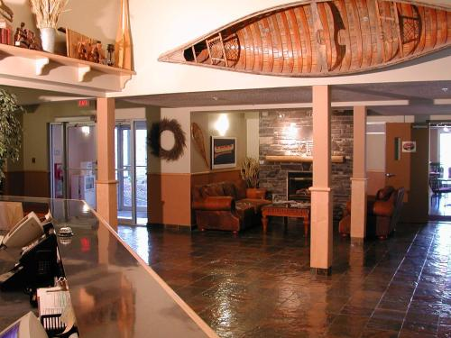 Windtower Lodge & Suites - Canmore, AB T1W 3E2