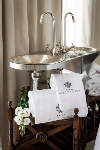 Habitación Doble Deluxe con bañera Hotel Madinat 4