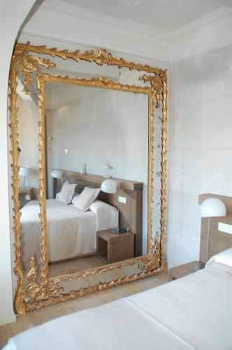 One-Bedroom Suite Hotel Villa Italia 15
