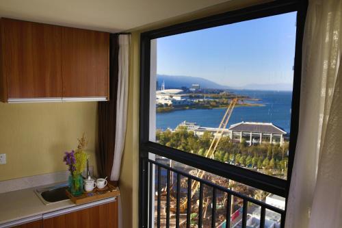 . Left Coast Right Sea Hotel