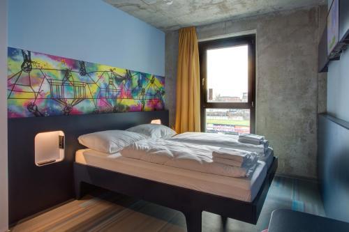 MEININGER Hotel Berlin East Side Gallery photo 44