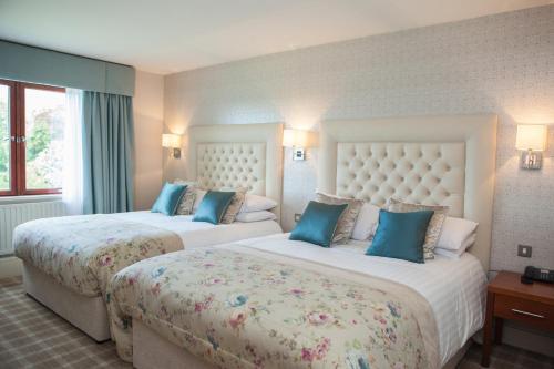 . Four Seasons Hotel, Spa & Leisure Club