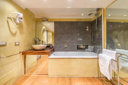 Magenta Luxury Specchi - image 5