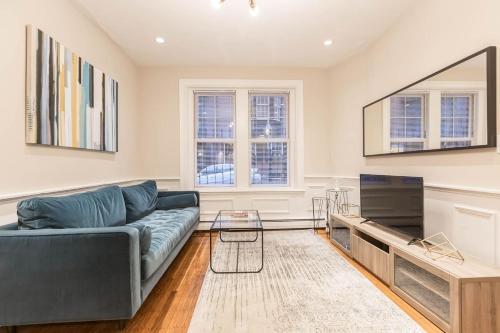 Three-Bedroom in Charles Street
