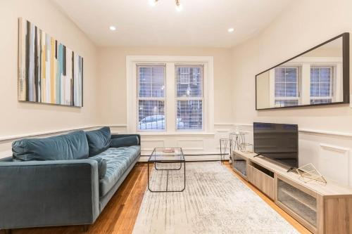 Three-Bedroom in Charles Street