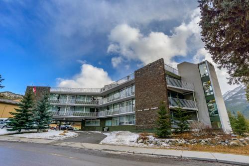 Bow View Lodge - Banff, AB T1L 1A5