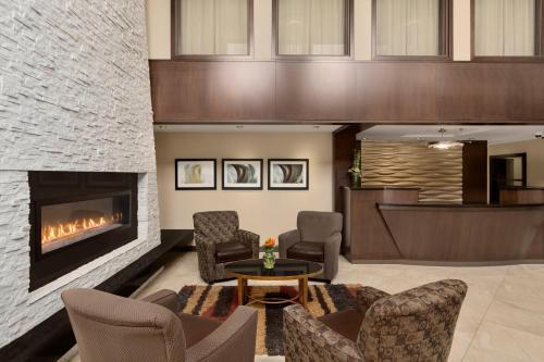 Best Western Plus Edmonton Airport Hotel - Leduc, AB T9E 6Z8