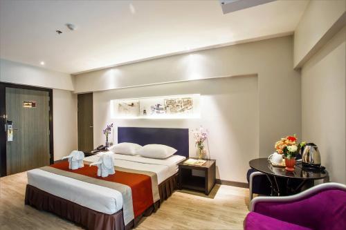 Nouvo City Hotel photo 95