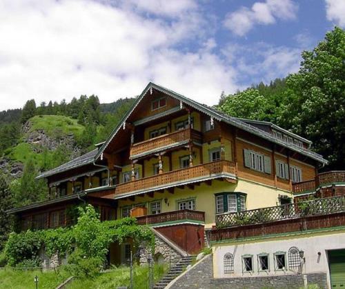 . Hotel Kaiservilla