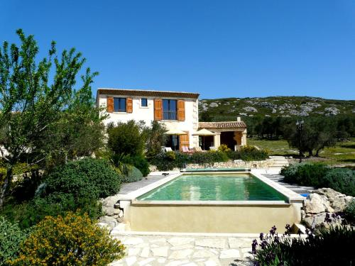 Magnifique Propriété avec Piscine Privée Chauffée, superbe vue sur les oliveraies des Alpilles, située à Mouriès, 10 personnes, LS1-174 ESPANTO - Location, gîte - Mouriès