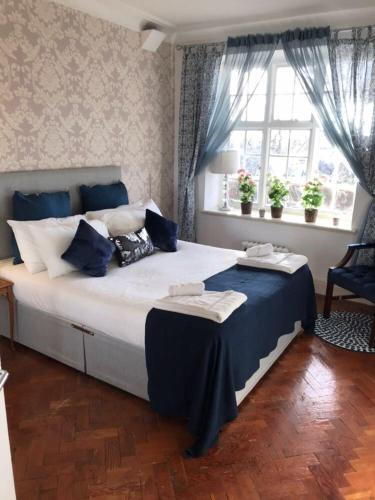 Finchley Apartment Main photo