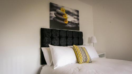 . UR City Pad - Richmond Apartments