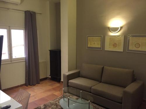 Double Room with Lounge Hotel Leonor de Aquitania 11