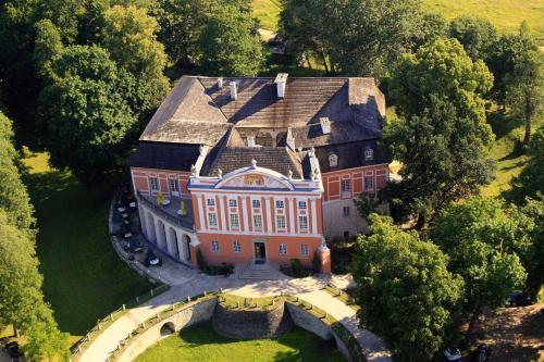 . Pałac Kurozwęki