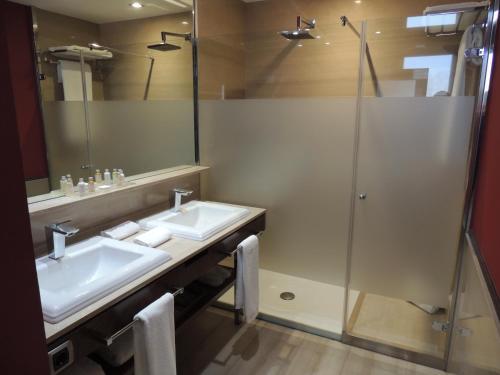 Classic Double or Twin Room Castillo Del Bosque La Zoreda 32