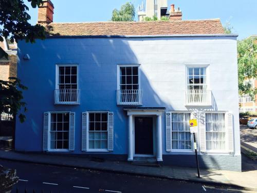 Baye House
