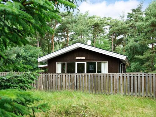 Three-Bedroom Holiday home in Nexø 1 in Strandby Gårde