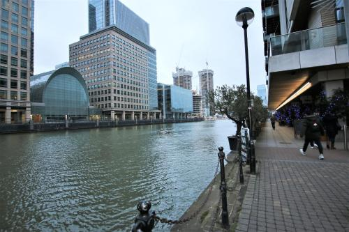 Picture of Canary Wharf Luxury Riverside Apartment