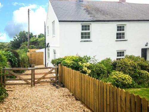 Appledore Cottage, Scorrier, Cornwall