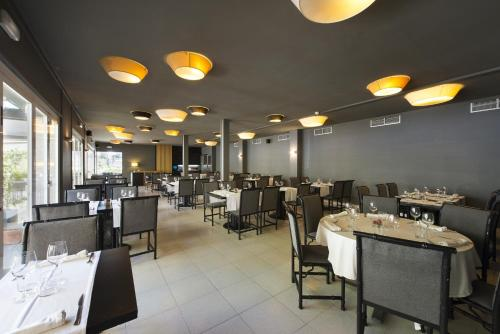A Hotelcom Hotel Mirallac Hotel Banyoles Spain Online