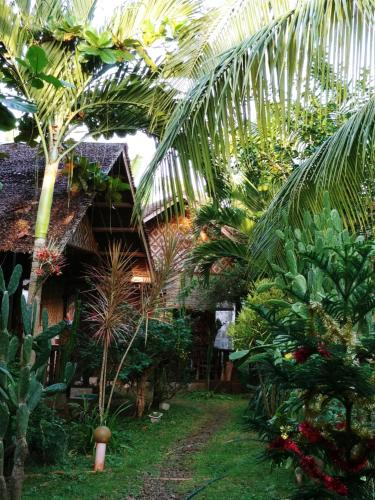 picture 1 of Reggae Guesthouse