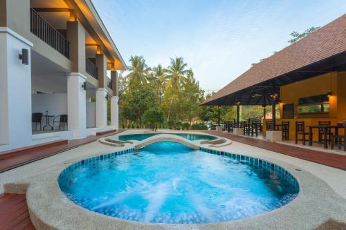 . The Retreat Khaolak Resort