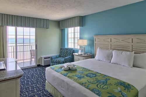 Deluxe Family Suite Beach View - First Floor