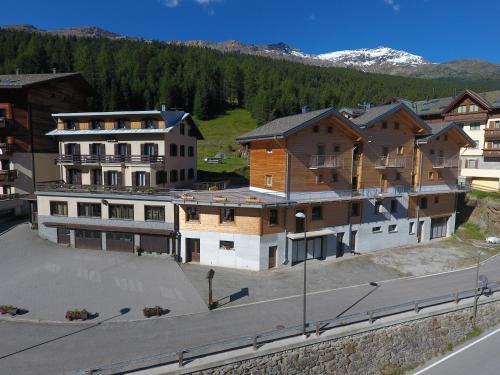 Hotel Meublè Adler - Rooms & Mountain Apartments - Accommodation - Santa Caterina