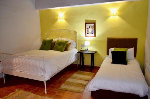 Hotel Bandolero room photos