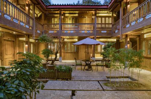 Lijiang Ivy Garden Resort Hotel