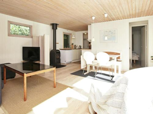Two-Bedroom Holiday home in Rødby 5 in Rødbyhavn