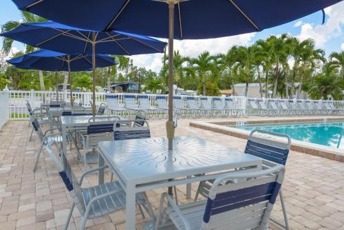 Club Naples Rv Resort - Naples, FL 34114