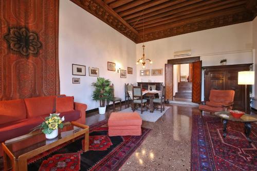 Appartamenti Palazzo Foscarini . - image 2