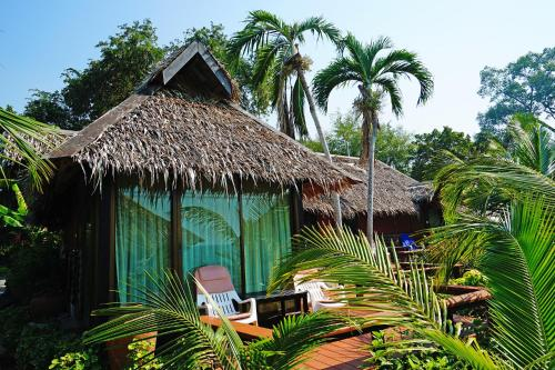 Beach Family Bungalow