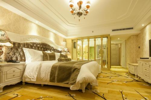 Upgrade Deal - Deluxe Room free upgrade to Deluxe Room with Garden View