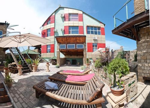 . HOROSHO Guest Villa