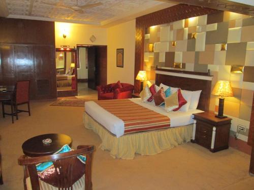 Sheza Inn