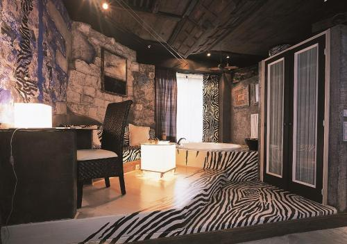 Superior Double Room with Bath - single occupancy Casona Camino Real De Selores 13