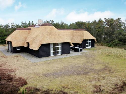 Four-Bedroom Holiday home in Blåvand 26 in Blåvand