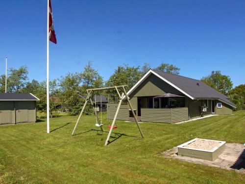 Three-Bedroom Holiday home in Hemmet 95 in Falen